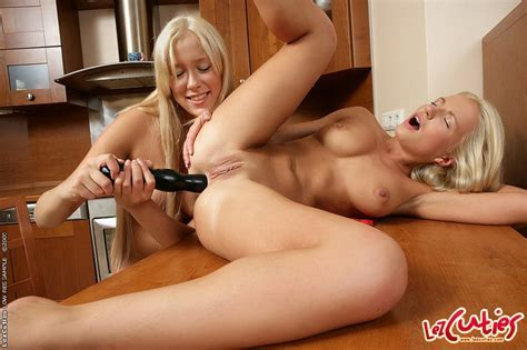 Busty Blonde Lesbian Babes Dildoing Her Assholes