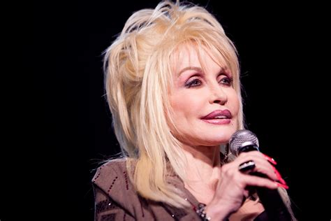 how is dolly parton 3000x2000 source mirror