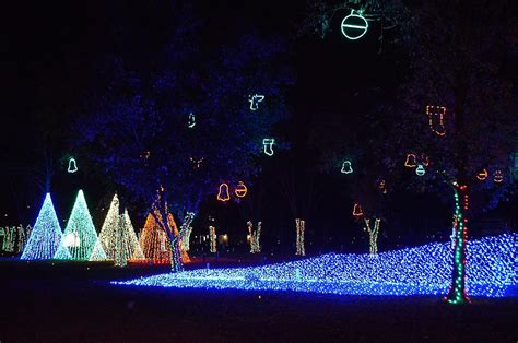 the dancing lights of christmas nashville tn 13 ways to experience 12 days of a tennessee christmas
