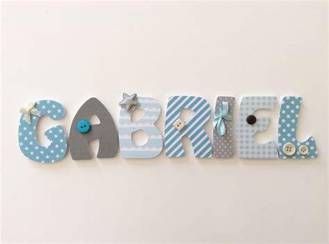 lettre pour chambre de bebe 1000 idées sur le thème lettres en bois sur