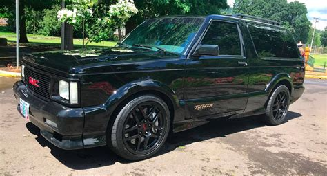 Gmc Typhoon 2020 by Gmc Typhoon Turbo Awd Is Your 1990s Sleeper Suv Carscoops
