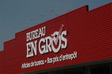 bureau en gros retail construx general contractor development montreal