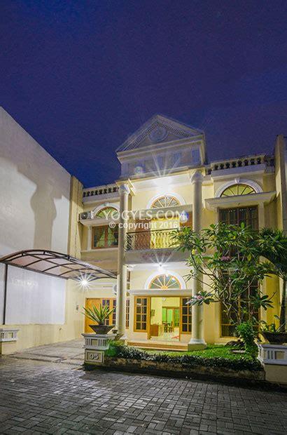 gowinda house  rumah  besar  lokasi bersinar