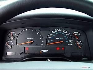 """Image: 2003 Dodge Dakota 2-door Club Cab 131"""" WB Sport"""