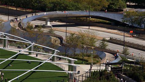 som millennium park bp pedestrian bridge