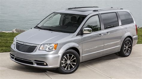 2015 Chrysler Town & Country  Overview Cargurus