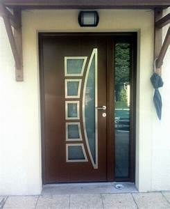 porte d39entree marron monobloc en aluminium realisation With portes d entrée en aluminium