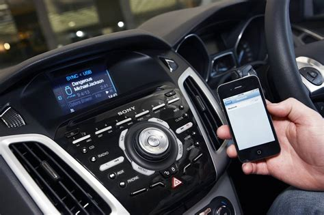 ford focus st  emergency assistance system  sync