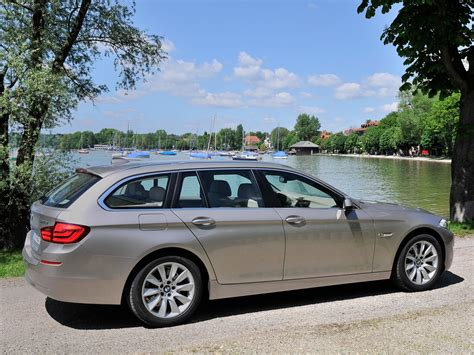 Bmw 5 Series Touring Wallpaper by Bmw 5 Series Touring 2011 Picture 95 1600x1200