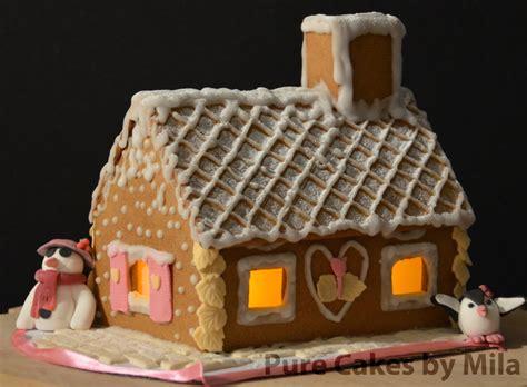 gingerbread house snow  assembling  glaze