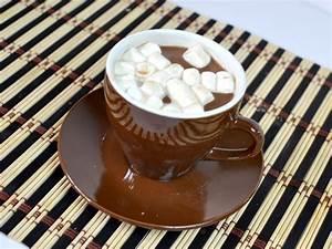 5 Ways to Make Homemade Hot Chocolate - wikiHow