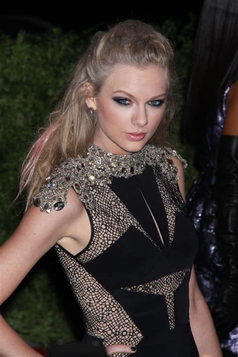 Taylor Swift at MET Gala: A Black Beauty? - The Hollywood ...