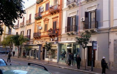 Attualmente il palazzo si affaccia su piazza stati uniti d'america, così. Via Principe Amedeo , Due vani - zona pranzo ed accessori - Agenzia IMMOBILIARE Tecnopolis Taranto