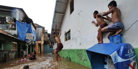 Suhu malaysia menerima pancaran matahari sepanjang tahun. 7 Hal unik yang jadi ciri khas musim hujan di Indonesia | merdeka.com