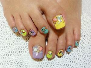 Stylish Pedicure Nail Art Designs for Summer|