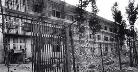penjara penyiksaan angker tuol sleng kamboja  tempat