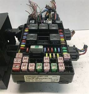2004 Ford Expedition    Navigator Fuse Box Power Module