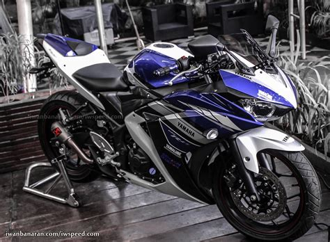 Yamaha R25 Backgrounds by Yamaha Yzf R25 Wallpapers Hd Images Yamaha Yzf R25 Hd
