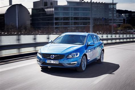 volvo car groups   driving autopilot cars test