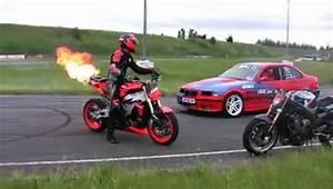 Moto Et Motard : moto et motards drift moto vs auto popscreen ~ Medecine-chirurgie-esthetiques.com Avis de Voitures