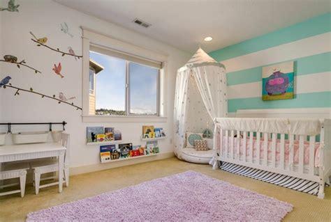 stickers chambre bébé fille pour une déco murale originale