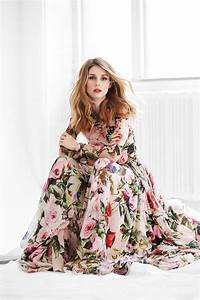 olivia palermo in a flowy floral maxi dress classy and With robe longue esprit