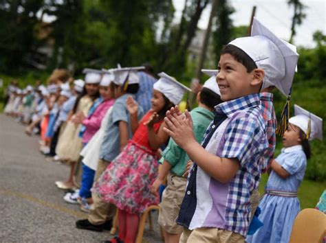 greenwich s youngest students graduate from headstart 383 | 920x920