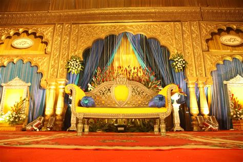 Indian Wedding Entrance Decoration by Unfolding A Royal Union Fwd Life The Premium Lifestyle