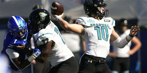 No. 15 Coastal Carolina tops Appalachian State, 34-23