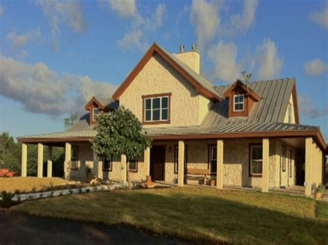 small homes  porches texas ranch style home