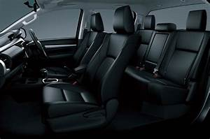 Toyota Hilux Eighth Generation Interior Design Photo 3