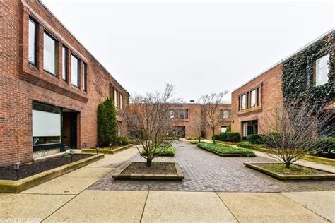 harry weese designed row home  hyde park lists
