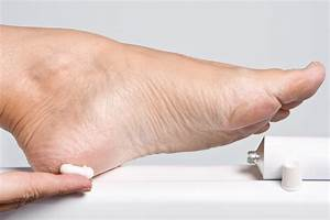 How To Get Rid Of Dry Cracked Feet   Guide