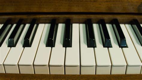baldwin hamilton studio upright piano  sale living pianos