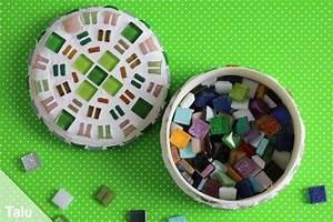 Holz Auf Fliesen Kleben : mosaik selber machen bastel ideen mosaiksteine herstellen ~ Markanthonyermac.com Haus und Dekorationen