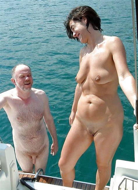 Old Whores Exposes Old Pussies Private Photos Gallery