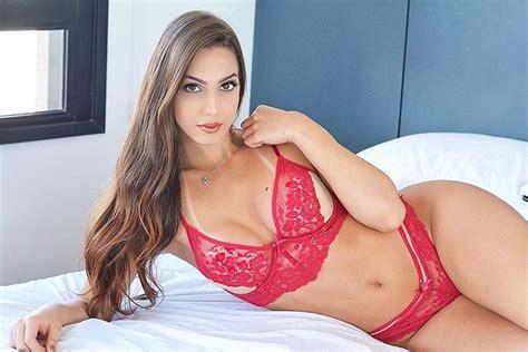 maria eduarda nearly nude instagram photos find her name