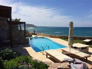 Bungalow Mit Pool : ein bungalow mit eigenem pool ikaros beach luxury resort spa malia holidaycheck kreta ~ Frokenaadalensverden.com Haus und Dekorationen