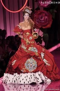 Maison Christian Dior : maison christian dior robe haute couture automne hiver ~ Zukunftsfamilie.com Idées de Décoration