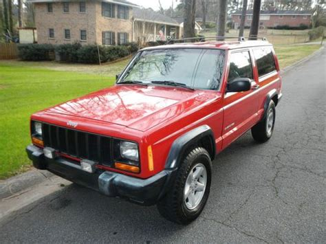 Sell Used 2000 Jeep Cherokee Xj / 2 Door / 2wd / Manual