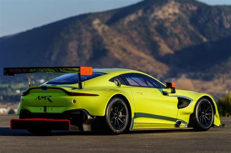 Aston Matin Car :  New Aston Martin Racing Vantage Gte