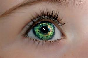 Create Fantasy Eyes with Topaz Glow