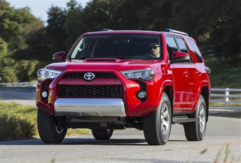 Truck And Suv by 2014 Toyota 4runner Truck Based Suv Gets Facelift