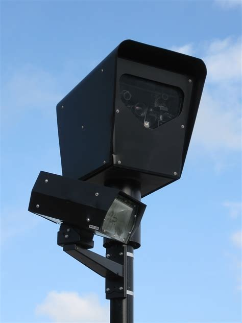 traffic light cameras found new traffic cameras along orchard and randall roads