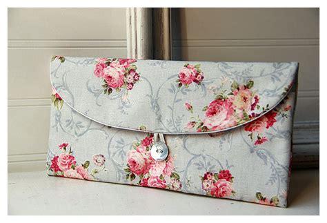 shabby chic wedding gift ideas shabby chic clutch bridesmaid gift bridesmaid clutch roses wedding favor shabby chic gift