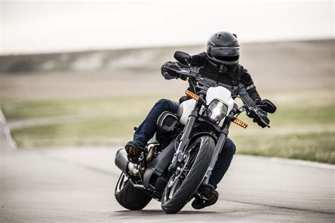 Harley Davidson Fxdr 114 Hd Photo by 2019 Harley Davidson Fxdr 114 Look 13 Fast Facts