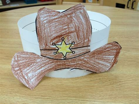 25 unique cowboy hat crafts ideas on cowboy 820 | 9aaeda17f55054050eba0669e6d5fba5 preschool art cowboy hat craft preschool
