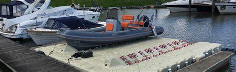 pedane galleggianti piattaforme galleggianti per alaggio gommoni e barche