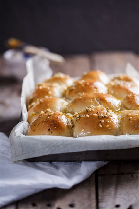 easy garlic butter dinner rolls simply delicious