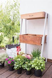 diy upcycling pflanzleiter aus alten schubladen leelah With französischer balkon mit upcycling im garten